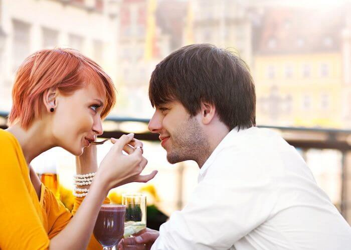 7 modos de hacer que fluya la conversación con un chico